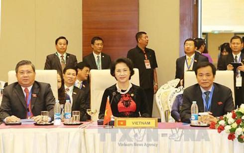 Спикер вьетнамского парламента завершила турне по трем странам ЮВА - ảnh 1