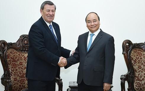 Премьер Вьетнама принял министра иностранных дел Уругвая - ảnh 1