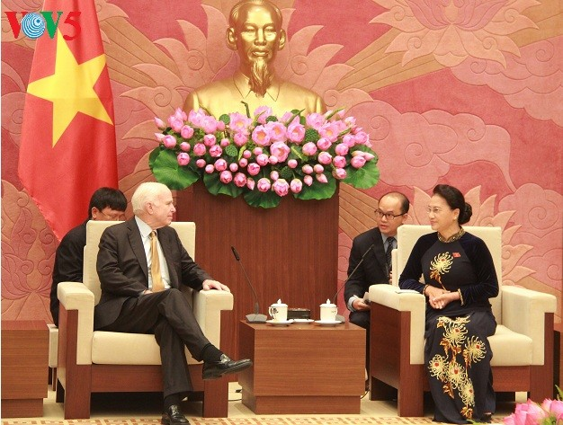 Нгуен Тхи Ким Нган приняла делегацию Комитета Сената США по вооружённым силам - ảnh 1