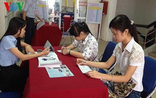 Рост экономики оказывает позитивное влияние на рынок труда Вьетнама - ảnh 1
