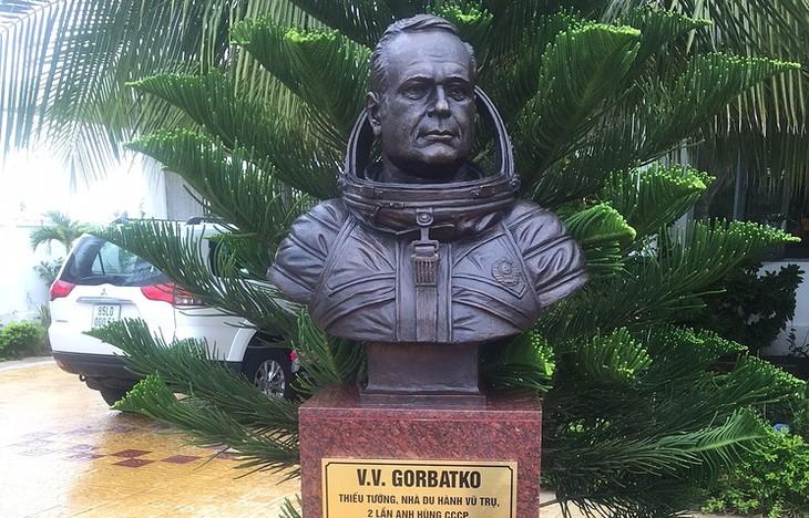 Виктор Горбатко – близкий друг вьетнамского народа - ảnh 1
