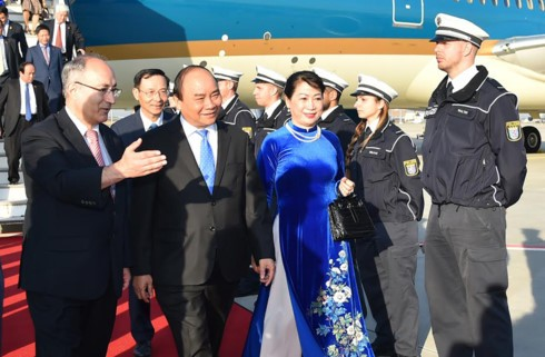 Премьер Вьетнама прибыл в Германию с визитом для участия в саммите G20 - ảnh 1