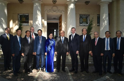 Нгуен Суан Фук встретился с руководителями германской земли Рейнланд-Пфальц - ảnh 2
