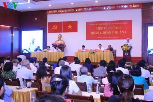 Президент Вьетнама встретился с избирателями города Хошимина - ảnh 1