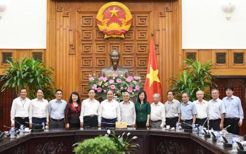 Нгуен Суан Фук провел рабочую встречу с Вьетнамской ассоциацией бывших педагогов - ảnh 1