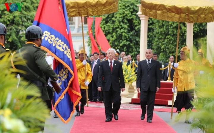Генсек ЦК КПВ Нгуен Фу Чонг завершил государственный визит в Камбоджу - ảnh 1