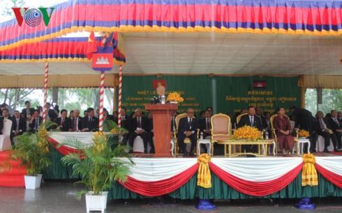 Генсек ЦК КПВ: необходимо усиливать сотрудничество между районами Вьетнама и Камбоджи - ảnh 1