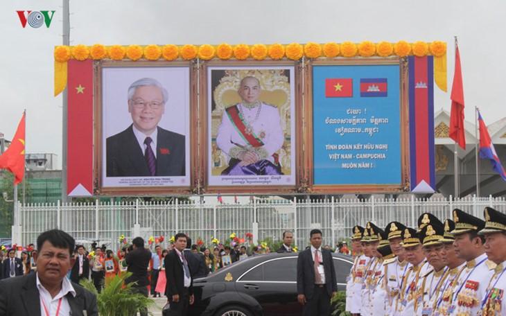 Стабильное и устойчивое развитие вьетнамо-камбоджийских отношений - ảnh 2