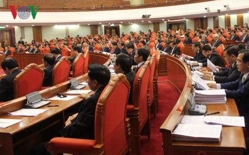 На 6-м пленуме ЦК КПВ обсуждается ряд важных вопросов, связанных с жизнью населения страны - ảnh 2