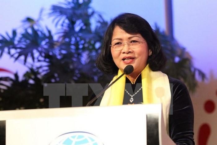 Вице-президент СРВ приняла участие в приеме в связи с 50-летием царствования султана Брунея - ảnh 1
