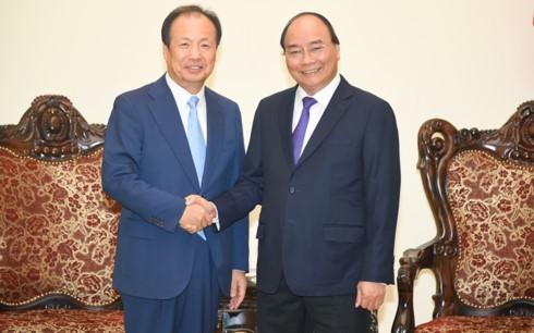 Премьер Вьетнама принял гендиректора южнокорейской корпорации Samsung Electronics - ảnh 1