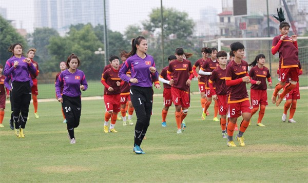 Женская сборная Вьетнама по футболу завершила подготовку к финальному турниру Чемпионата Азии - ảnh 1