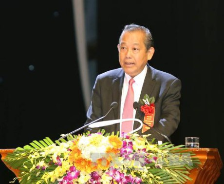 Вице-премьер Чыонг Хоа Бинь провёл рабочую встречу с членами парткома г.Хошимина - ảnh 1