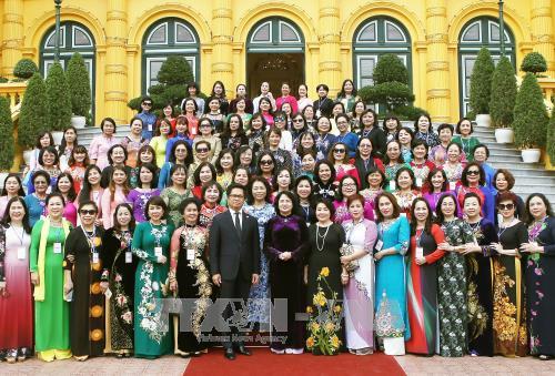 Данг Тхи Нгок Тхинь встретилась с лучшими женщинами-бизнесменами - ảnh 1