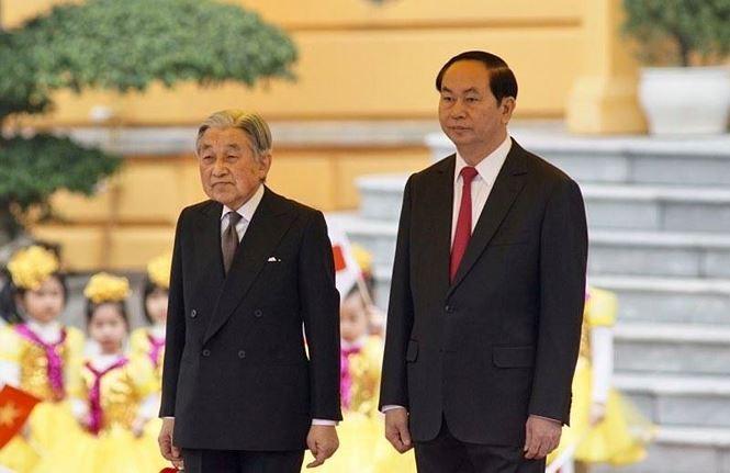 Руководители Вьетнама поздравили японского императора с днём рождения - ảnh 1