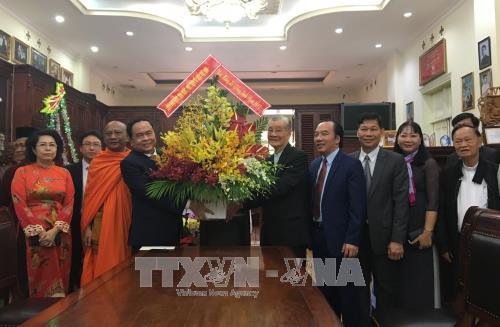 Вьетнамские руководители поздравили католиков с наступающим Рождеством - ảnh 1