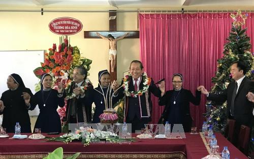 Во Вьетнаме проводятся разнообразные мероприятия, посвященные наступающему Рождеству - ảnh 1