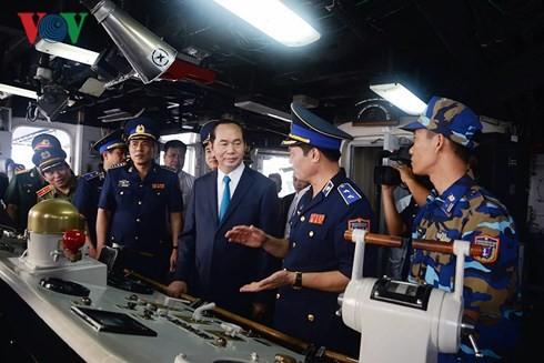 Cтроительство революционной, регулярной, гвардейской и современной морской полиции Вьетнама - ảnh 2