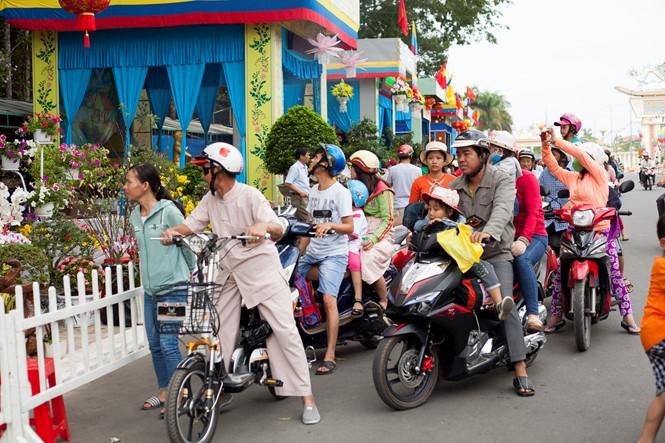В провинции Тэйнинь прошел великий праздник «Дык Ти Тон» религии Каодай - ảnh 1