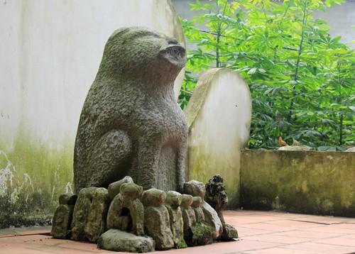 Деревня Дитьви и её традиция поклонения каменной собаке - ảnh 1