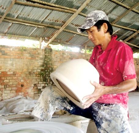 Сохранение традиционного промысла в гончарной деревне с историей в несколько столетий - ảnh 2