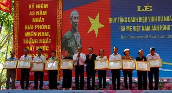 Провинция Хаузянг посмертно присвоила звание «Мать-героиня Вьетнама» - ảnh 1