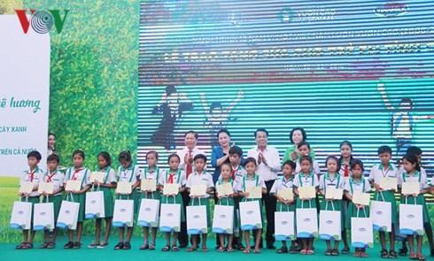 Нгуен Тхи Ким Нган приняла участие в церемонии посадки деревьев в провинции Камау - ảnh 2