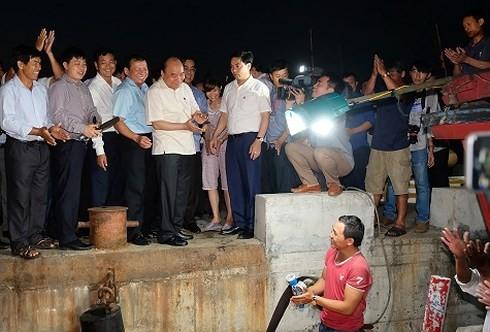 Нгуен Суан Фук проверил ликвидацию последствий экологической катастрофы в Тхыатхиен-Хюэ и Куангчи - ảnh 1