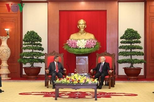 Вьетнам и Лаос стремятся непрерывно укреплять и развивать двусторонние отношения - ảnh 1