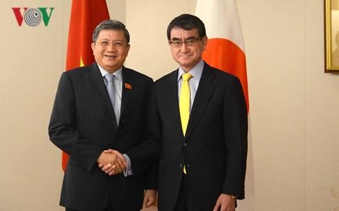 Вьетнам и Япония активизируют всестороннее сотрудничество - ảnh 1