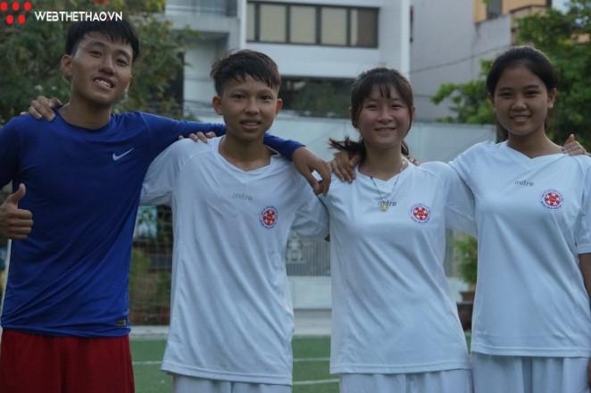 Вьетнамские школьники приняли участие в фестивале «Футбол во имя недежды» в России - ảnh 1
