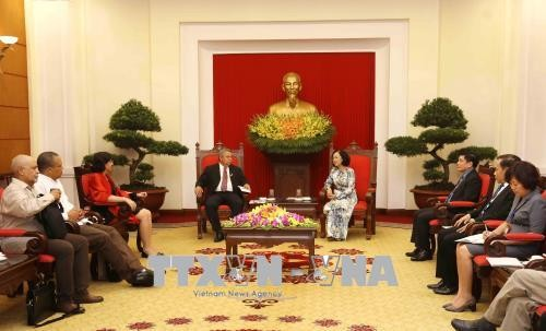 Чыонг Тхи Май приняла делегацию Центрального профсоюза трудящихся Кубы - ảnh 1