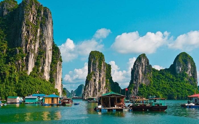 Американский журнал внёс бухту Халонг в список 100 красивейших объектов наследия ЮНЕСКО - ảnh 1