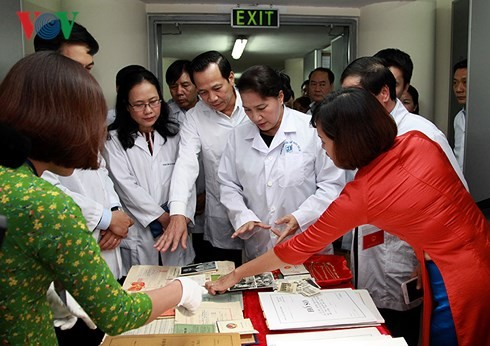 Нгуен Тхи Ким Нган провела рабочую встречу с сотрудниками Государственного архива III - ảnh 1
