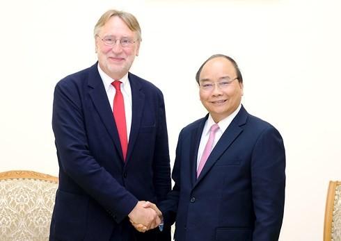 Премьер Вьетнама надеется на скорейшее подписание ССТ между СРВ и ЕС - ảnh 1