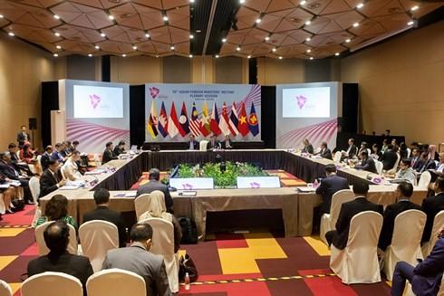 В Сингапуре прошли конференции министров стран АСЕАН-Австралия и АСЕАН-США - ảnh 1