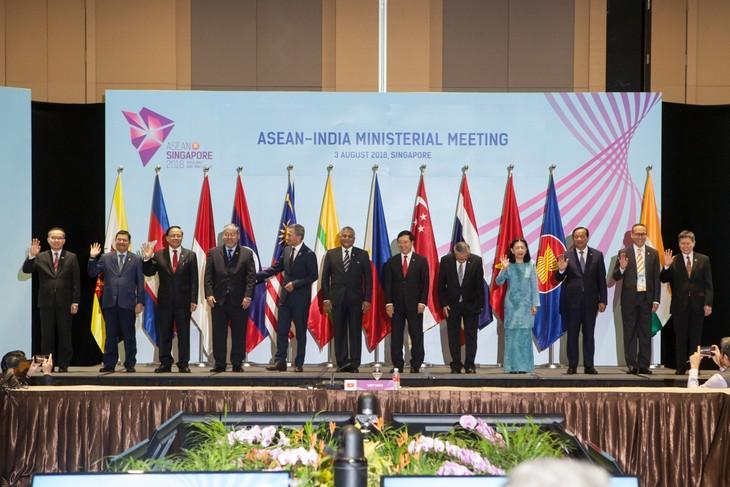 Конференция министров иностранных дел стран АСЕАН и Индии - ảnh 1