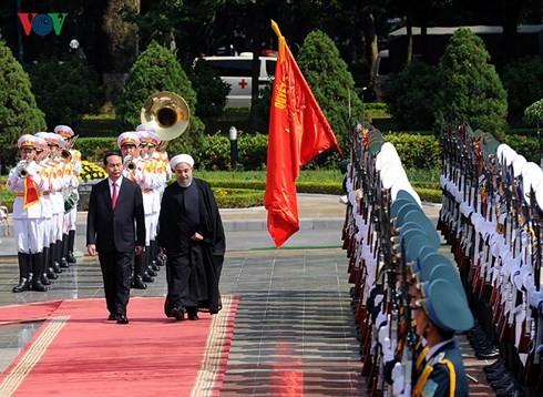 Руководители Вьетнама направили поздравительные телеграммы  иранским коллегам - ảnh 1