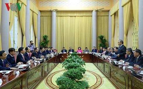 Президент Вьетнама: превыше всего интересы государства и нации, устойчивое развитие страны - ảnh 2