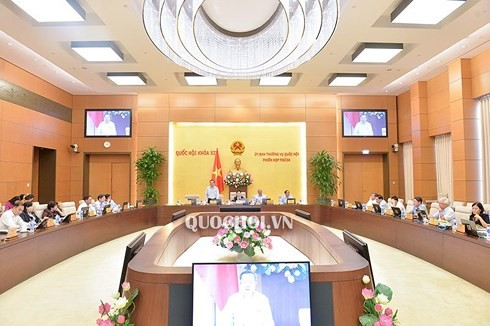 Постоянный комитет Нацсобрания обсудил законопроект о борьбе с коррупцией - ảnh 1
