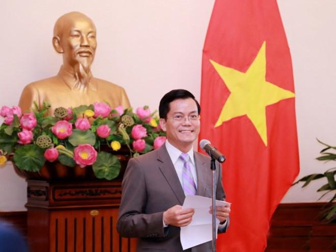 Вьетнамская дипломатия вместе с бизнес-сообществом преодолевает трудности - ảnh 2