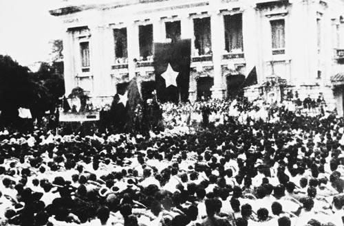 Августовская революция – народная революция - ảnh 1