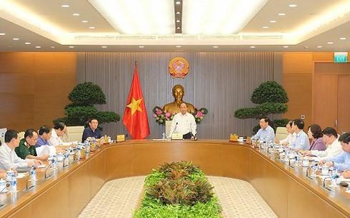 Постоянное бюро правительства Вьетнама обсудило подготовку к саммиту ВЭФ-АСЕАН 2018 - ảnh 1