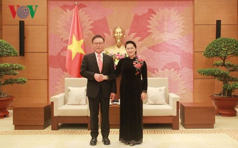 Вьетнам создаёт южнокорейским предприятиям благоприятные условия для ведения бизнеса в стране - ảnh 1