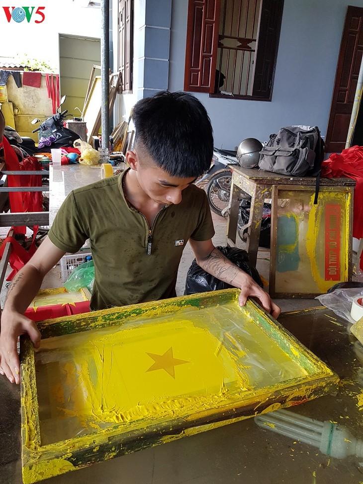 Тыван – деревня по пошиву государственных флагов Вьетнама - ảnh 3