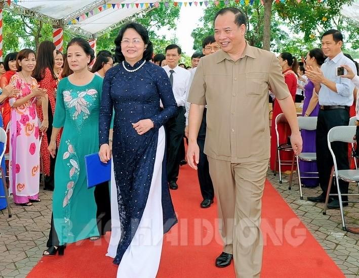 Руководители Вьетнама приняли участие в церемонии начала нового учебного года - ảnh 1