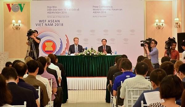 WEF- ASEAN 2018 ประชาสัมพันธ์ภาพลักษณ์ที่สามัคคี เจริญรุ่งเรืองและพึ่งพาตนเอง - ảnh 1