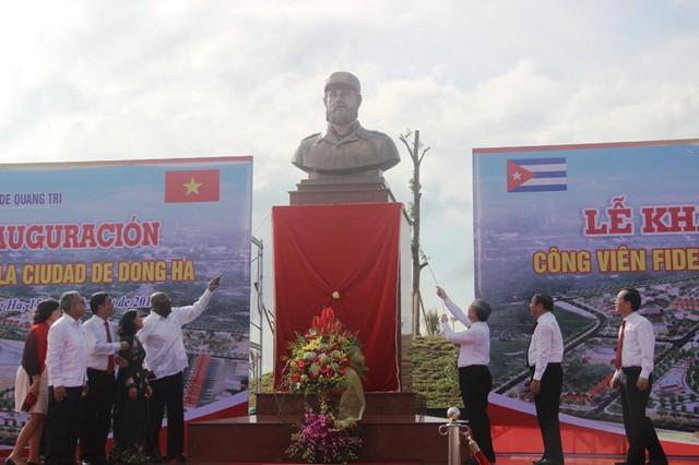 В провинции Куангчи отметили 45-летие со дня прибытия Фиделя Кастро в освобождённую зону - ảnh 3