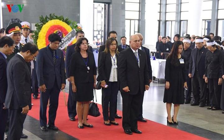 Мировые СМИ освещают торжественную церемонию прощания с президентом Вьетнама Чан Дай Куангом - ảnh 1