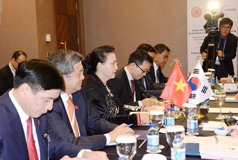 Нгуен Тхи Ким Нган встретилась со спикерами южнокорейского парламента и нижней палаты Беларуси - ảnh 1